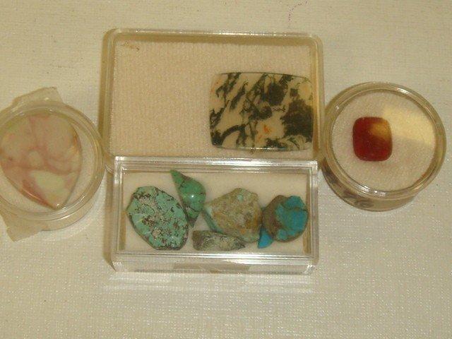 8: Collection of 16 Semi Precious Unset Stones: - 4
