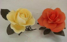 Two BOEHM Limited Issue Porcelain Roses: