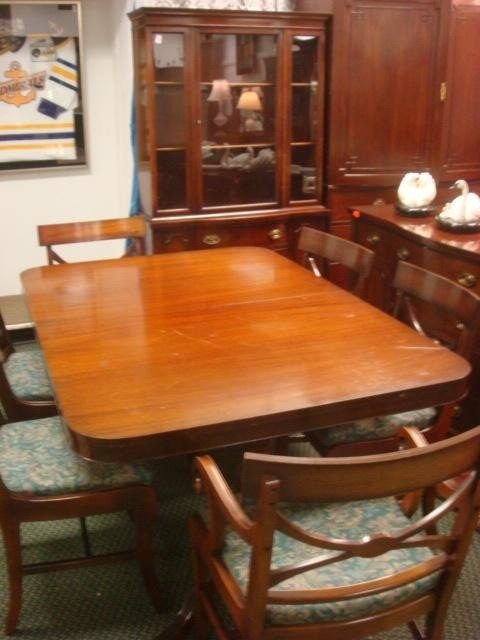 33: Nine Piece Mahogany Dining Room Set: