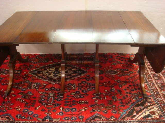 135: Single Pedestal Drop Leaf Mahogany Dining Table:
