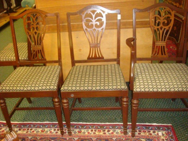 136: Set of Five Mahogany Pierced Splat Dining Chairs: