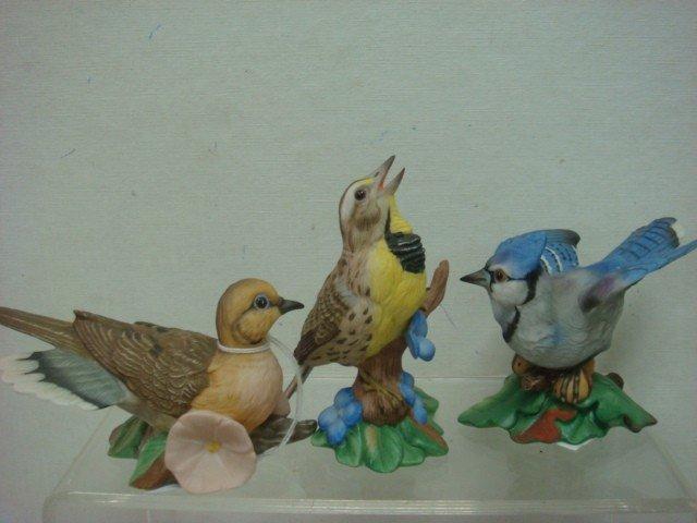 181: Handpainted Retired FRANKLIN MINT Porcelain Birds: - 4