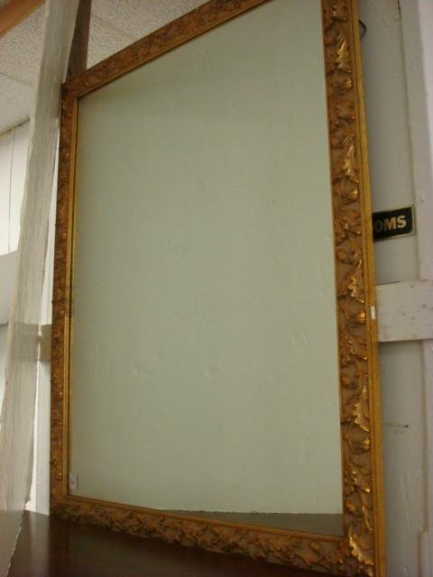 19: Oak Leaf and Acorn Motif Gold Framed Mirror: