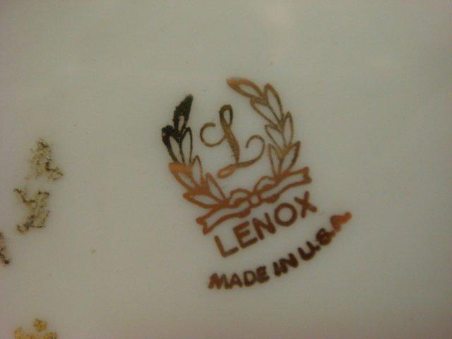 37: LENOX Swan and Vase: - 3