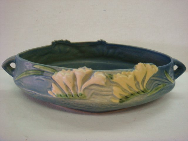 321: ROSEVILLE Freesia Console Bowl: