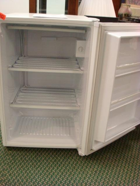 349: KENMORE Upright Freezer, 5 Cubic Ft Capacity: