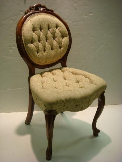 306: Button Tufted Balloon Back Chair: