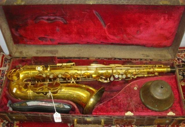 398: 1955 HN WHITE King Zephyr Tenor Saxophone in Case: