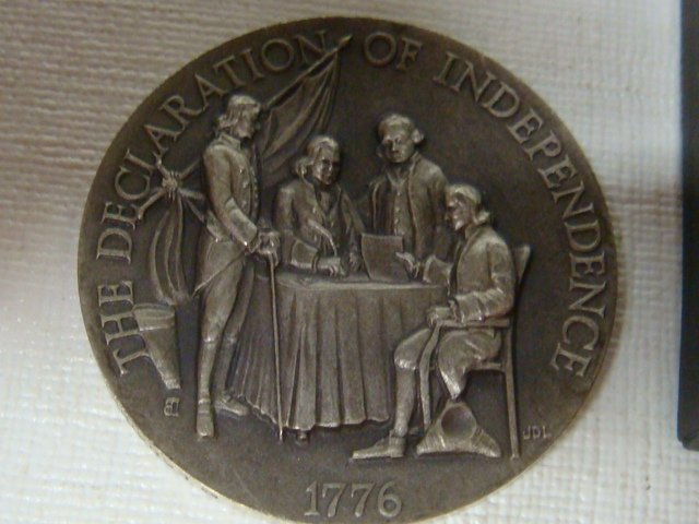14: Four Bicentennial Coins, 1972, 2 x 1975, 1976: - 3