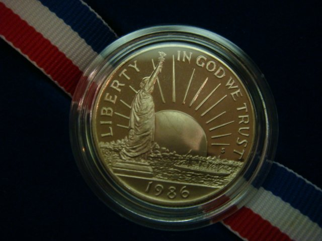 53: 1986 Statue of Liberty Commemorative Coin & Stamps: - 4