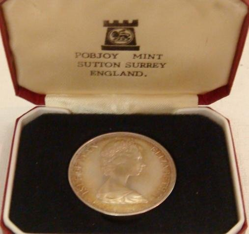 76: 1977 Isle of Man One Crown BU Coin in Case: