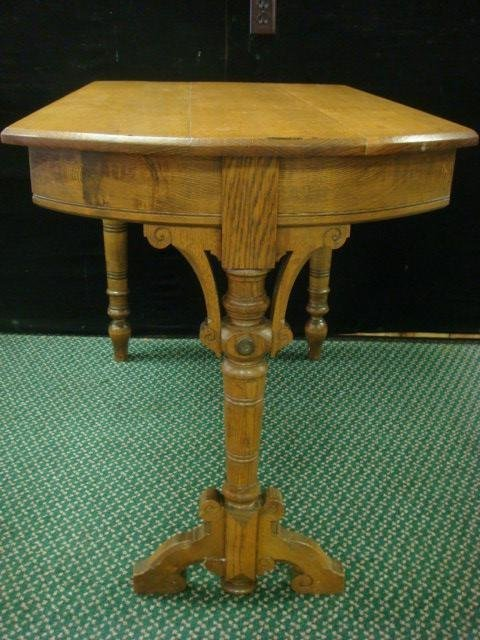 13: Golden Oak Island or Booth Table: