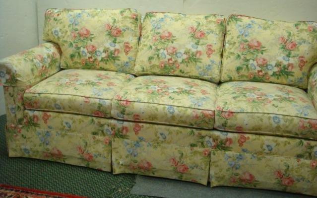 7: ETHAN ALLEN Floral Upholstered Sofa: