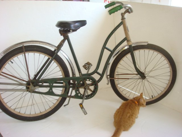 8: C W PINNELL HARLEY 1930's Girls COLUMBIA Bicycle: