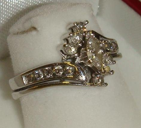 316: 14K White Gold Ring with Marquise Cut Diamond: