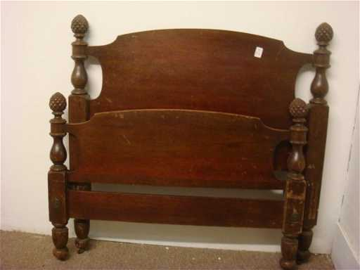 316 Mahogany Twin Bed With Pine Cone Finials