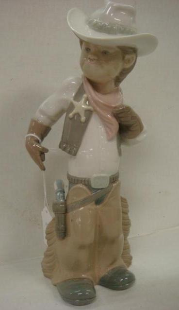 8: LLADRO Sheriff Puppet #4969 in Box: