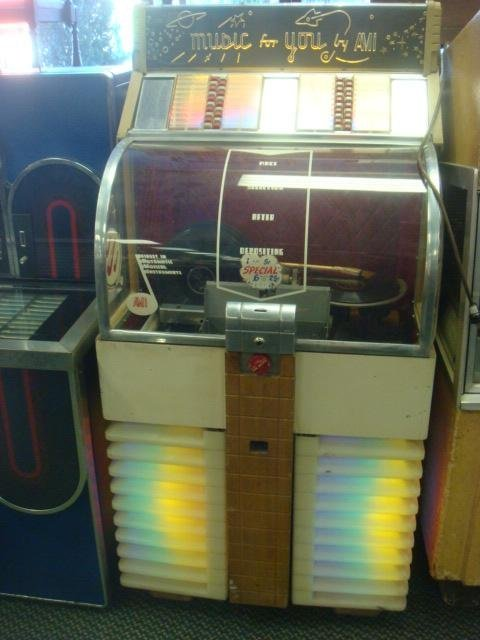 86: Juke Box AMI Model D-40, 78 RPM Records: