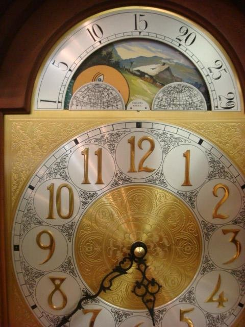 138: COLONIAL MFG CO Longcase Grandfather Clock: - 3