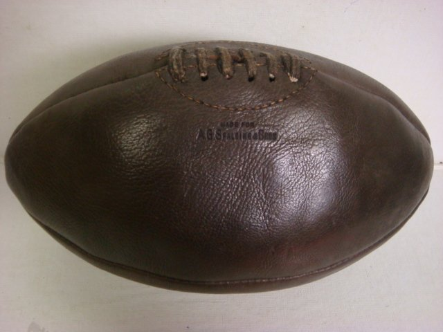 175: 1929 J5 SPALDING Melon Football:
