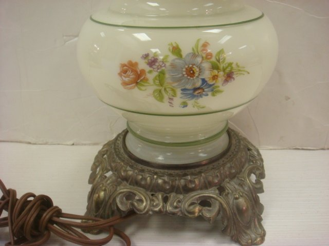 197: Handpainted Double Globe Victorian Style Lamp: - 3