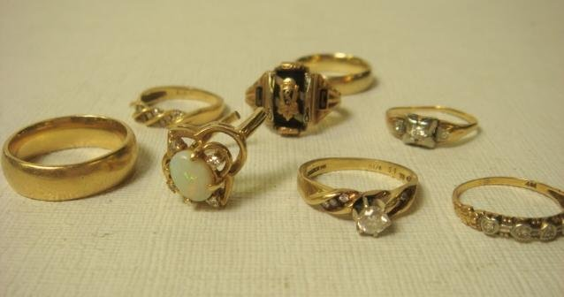 41: Eight Gold Rings, .88 OZs of 10 and 14KT Gold: