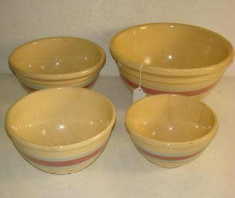 Vintage WATT 4 Piece Yelloware Mixing Bowl Set: