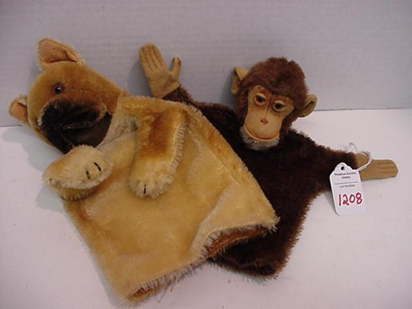 1208: Two Steiff Hand Puppets: