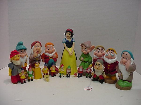 1214: 20 Piece Collection of Snow White and D