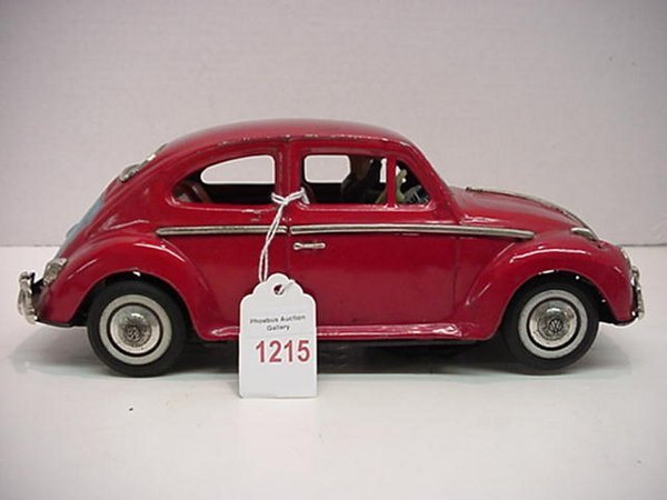 1215: 1950'5 Battery Operated Tin Litho Volks