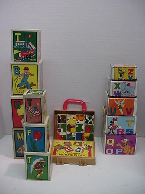 1221: Children's Cardboard and Wooden Puzzle
