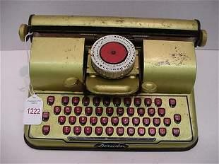 1950'5 Berwin Gold Tin Litho Typewriter