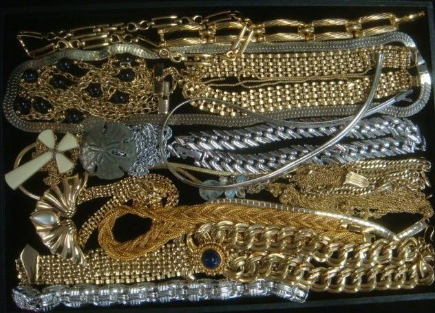 Ladies Gold & Silver Tone Costume Jewelry Necklaces: