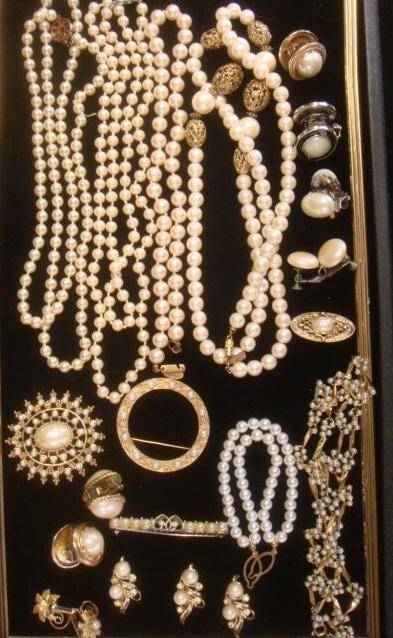 Ladies Pearl Costume Jewelry: