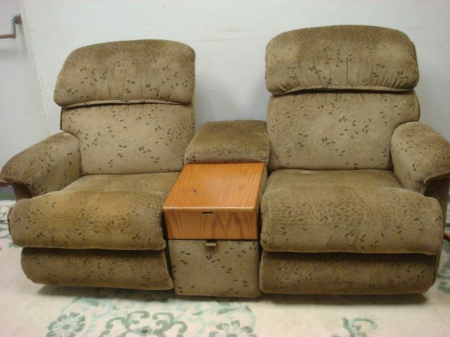 double lazyboy recliners with center console
