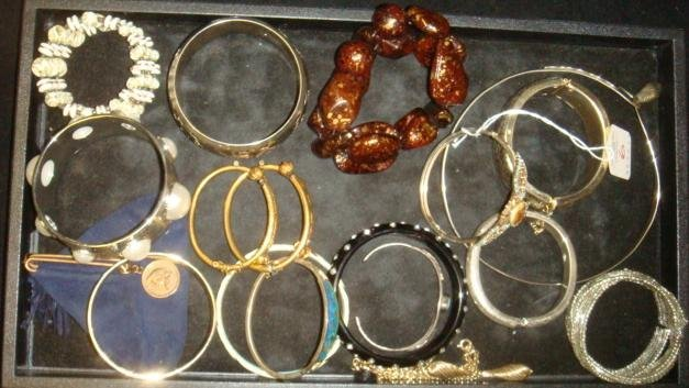 Ladies Cuff, Stretch and Clasp Costume Bracelets: