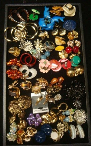 Assemblage of Ladies Costume Jewelry Earrings: