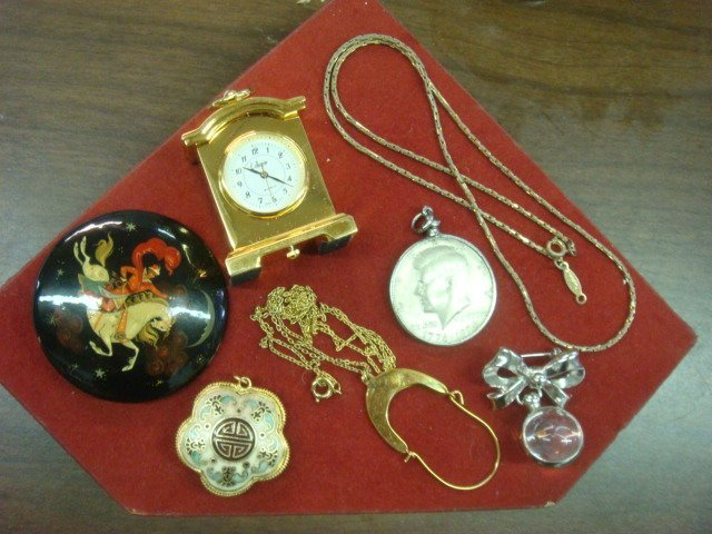 Ladies Costume Jewelry and Trinkets: