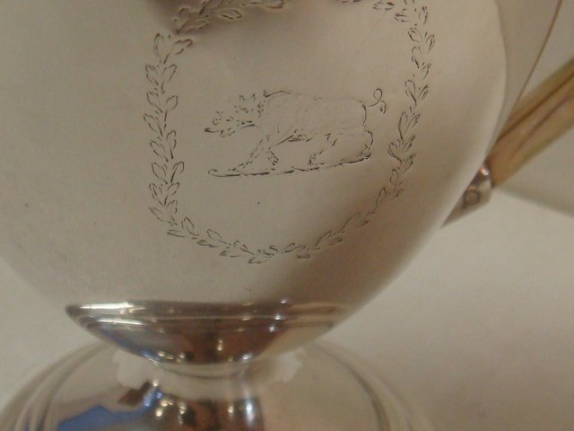 Robert Hennell III Sterling Individual Teapot: - 8