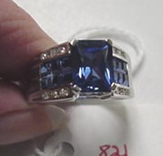 821: 10KT Gold with Diamond & Sapphire Ring: