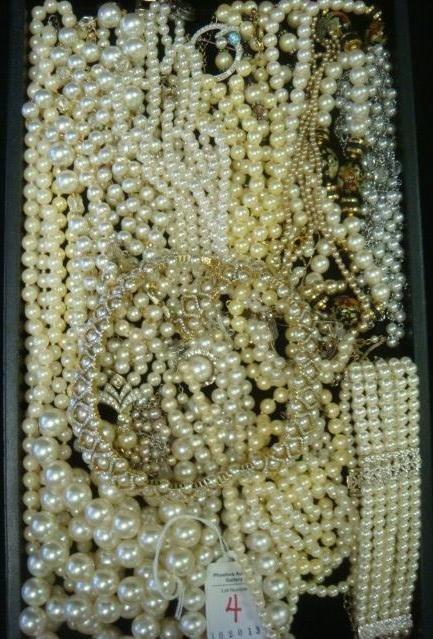 Ladies Costume Jewelry Pearl Necklaces: