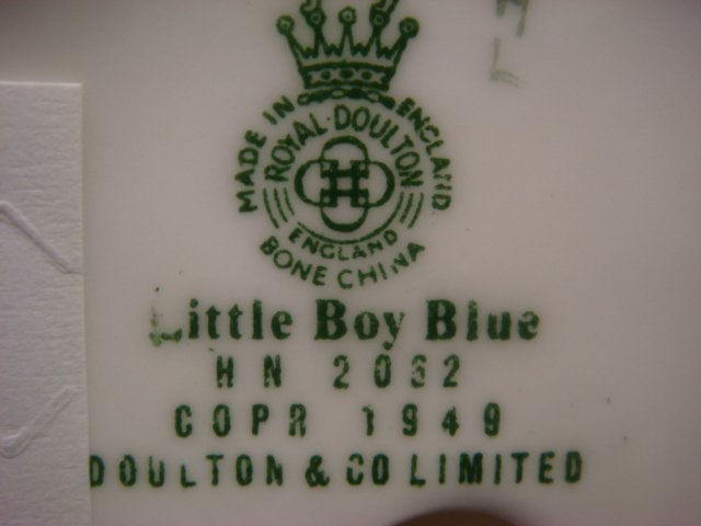 ROYAL DOULTON Little Boy Blue and Collie Figurines: - 4