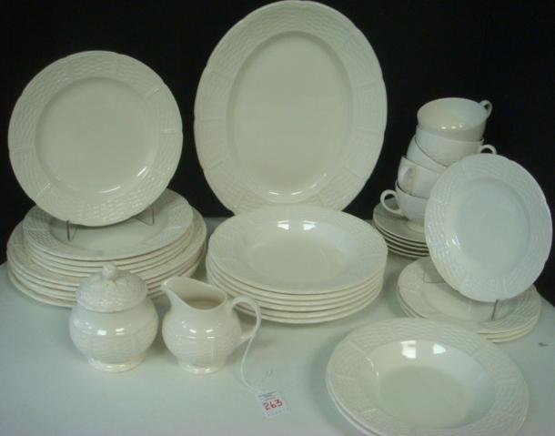 "WEDGWOOD ""WILLOW WEAVE"" Pattern Dinnerware:"