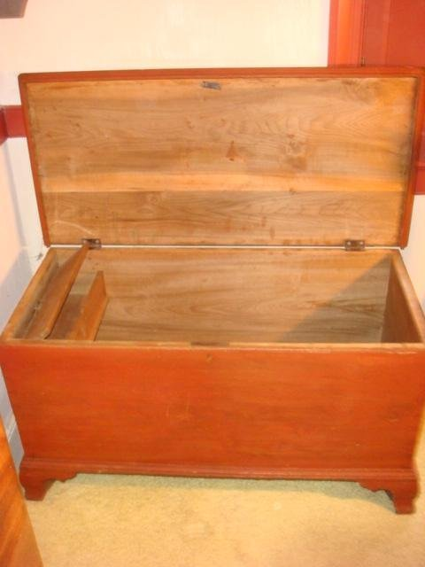 Red Stained Antique Colonial Style Hope Chest:
