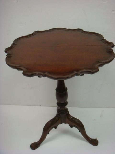 Mahogany 19th Cent. Pie Crust Tilt-top Table: