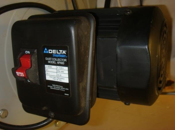 DELTA Dust Collector Model AP400: - 3