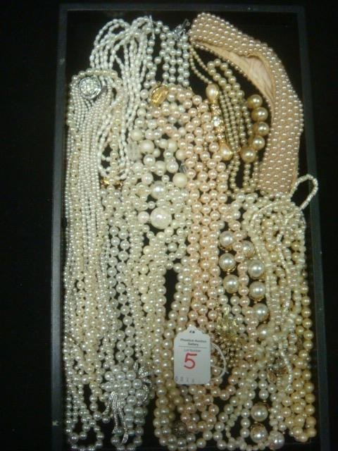 Collection of Fashion Pearl Jewelry: