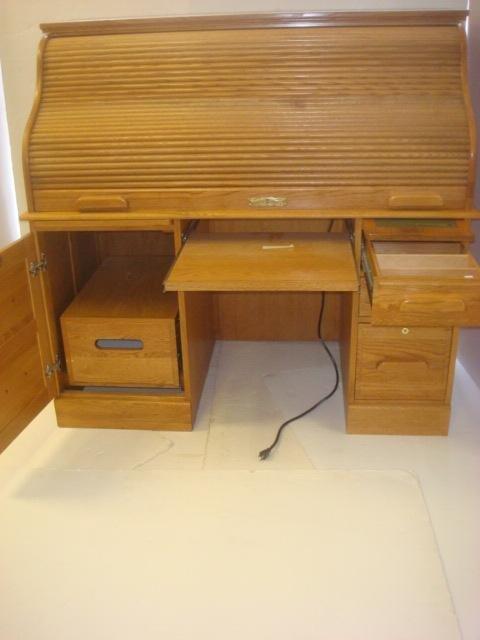 WINNERS ONLY Oak Rolltop puter Desk Lot 259