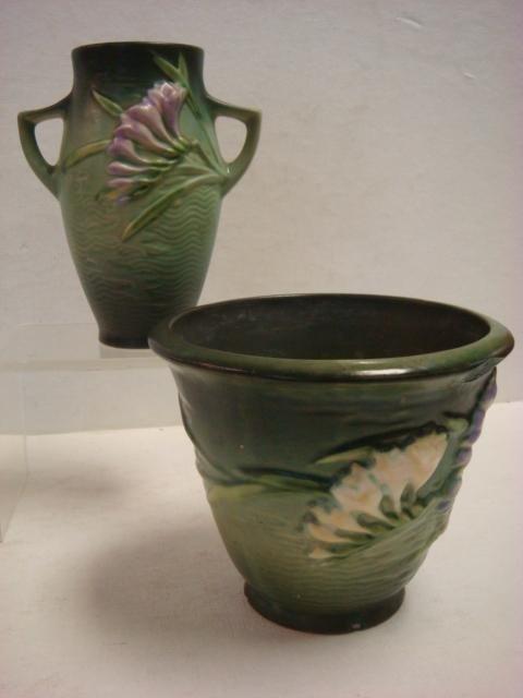 ROSEVILLE FREESIA Flower Pot and Vase: