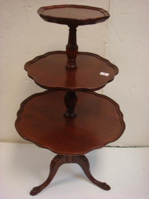 Mahogany 3 Tiered Pie Crust Table: